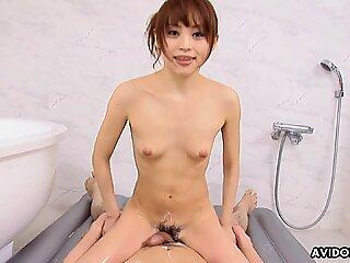 Japanese masseuse, Miina Yoshihara had fun, uncensored