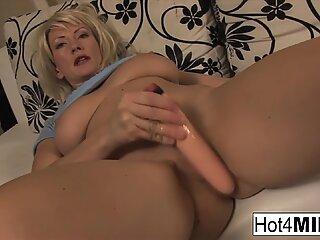 Hot MILF Zita has awesome natural tits!
