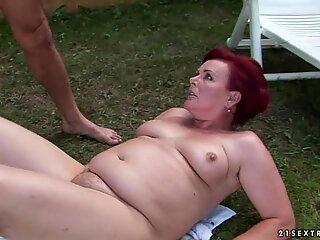 Cum loving granny loves getting splattered with cum