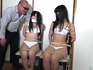 Japanese policewoman captured 02