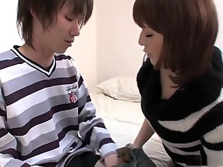 Kurara Iijima gets dumped after a long expert blowjob
